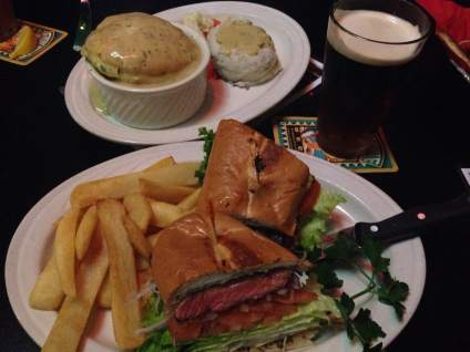 Steak sandwich, chicken pie and a Black & Tan :)