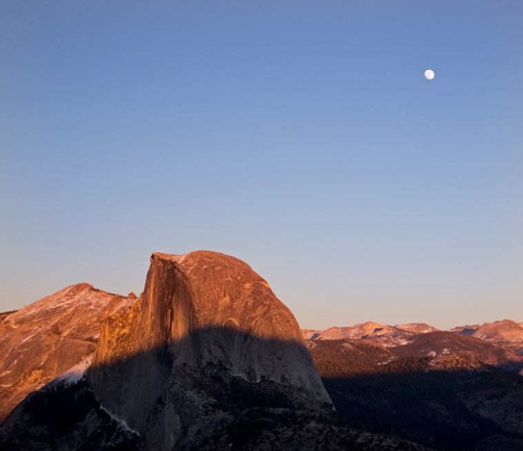 yosemite-half-dome-moon-sunset