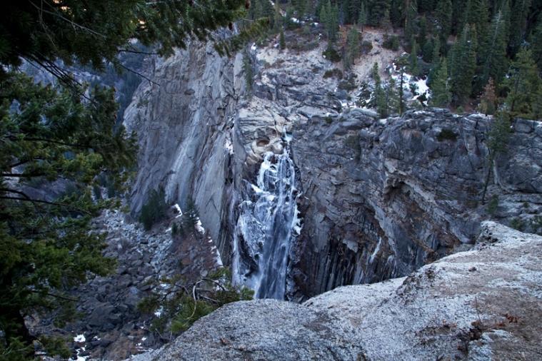 yosemite-illouette-falls-frozen.jpg