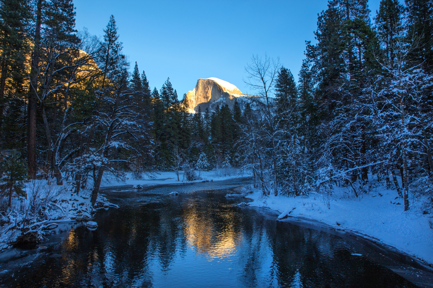 yosemite-national-park-half-dome-reflection