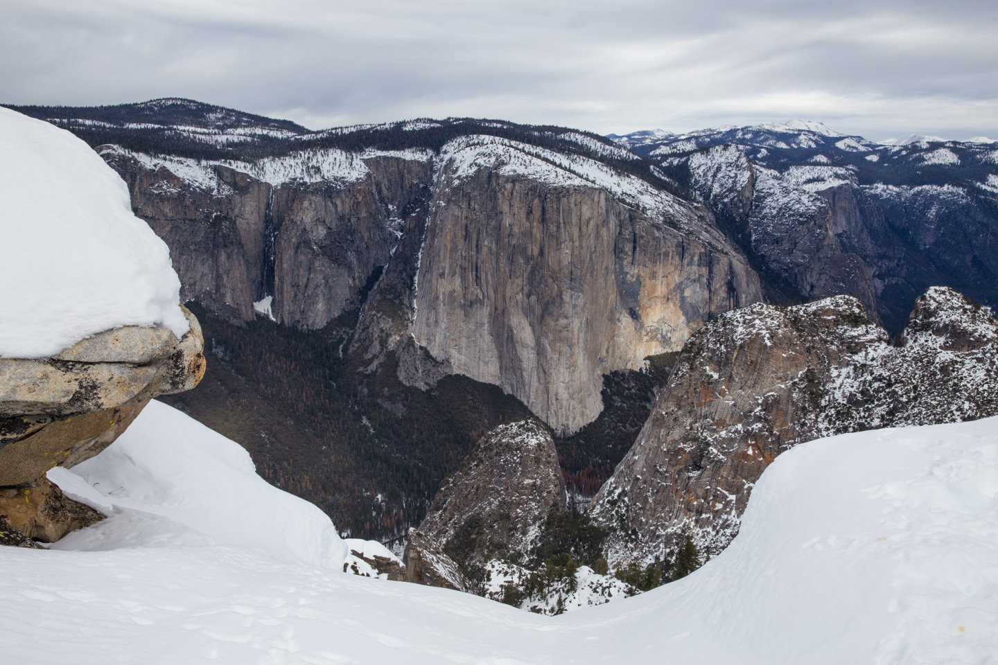 yosemite-national-park-winter-dewey-point