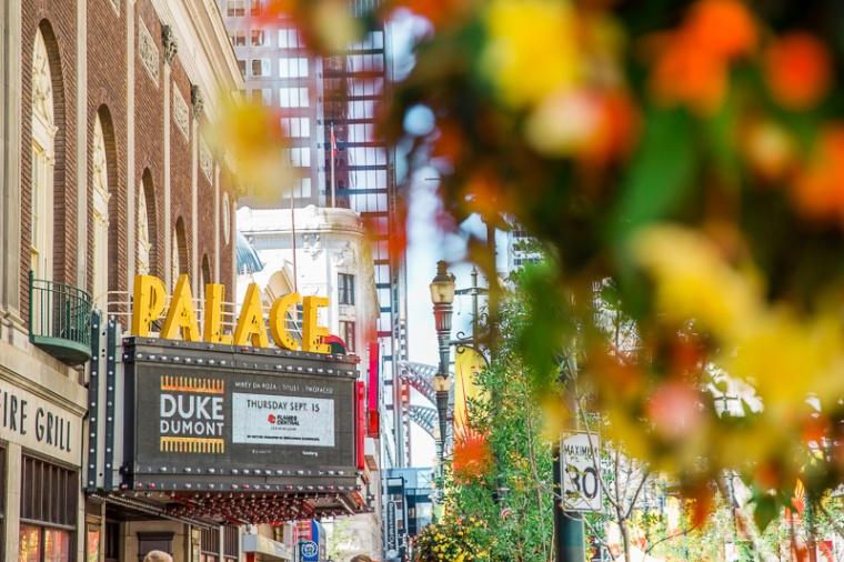 downtown-calgary-stephen-avenue-palace-theater