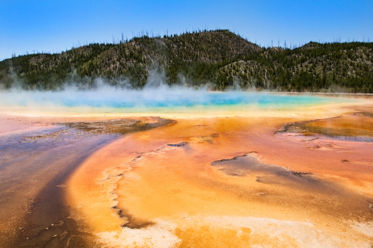 yellowstone-grand-prismic-spring