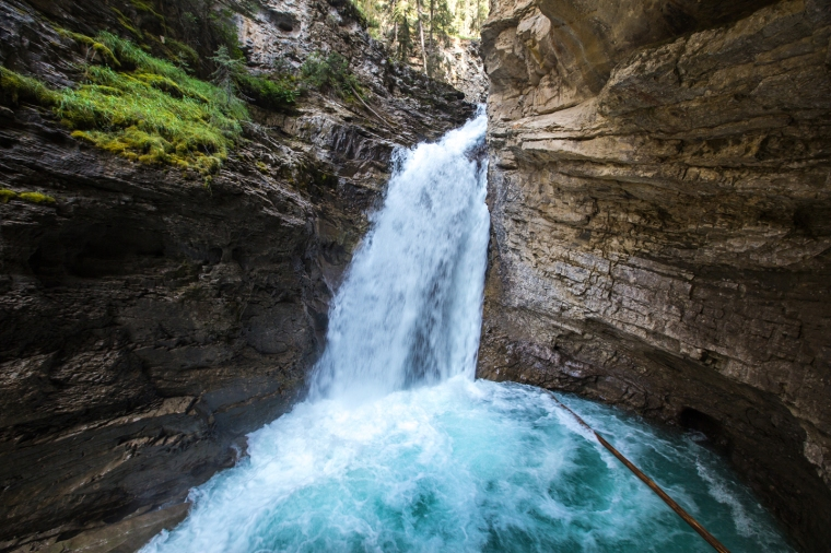 banff-johnston-canyon-lower-falls-cave