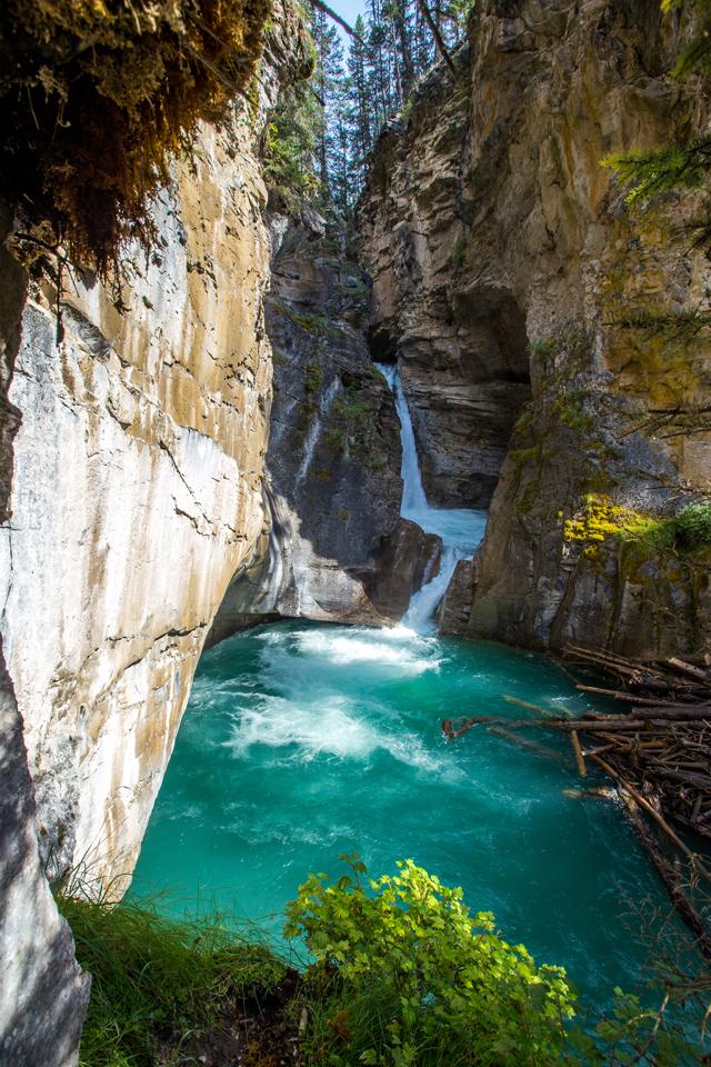 banff-johnston-canyon-lower-falls-sunlight