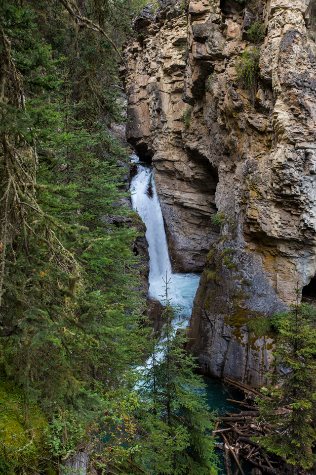 banff-johnston-canyon-lower-falls
