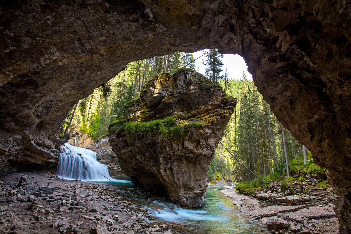 banff-johnston-canyon-secret-cave
