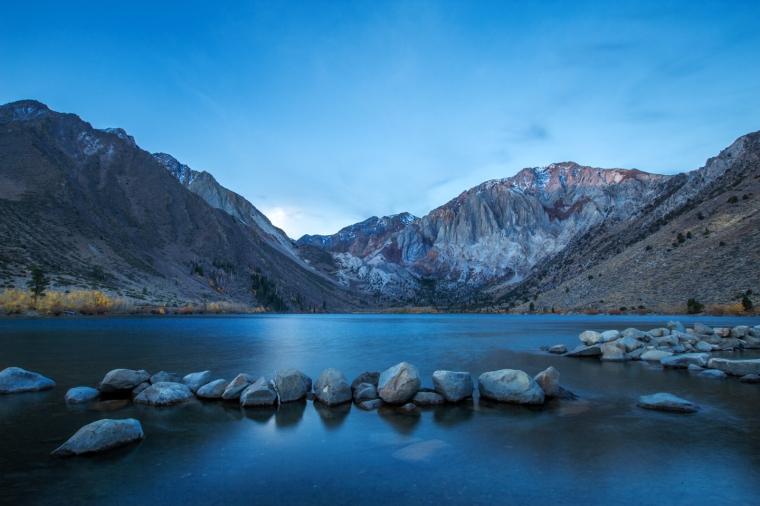 convict-lake-fall-colors-sunrise-3