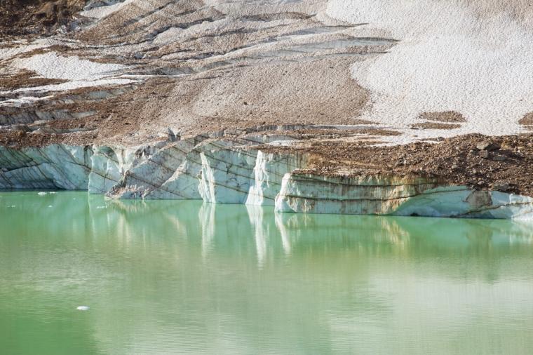 angel-glacier-lake-2