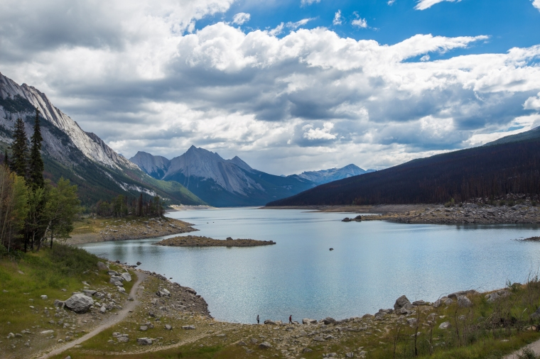 jasper-medicine-lake-national-park