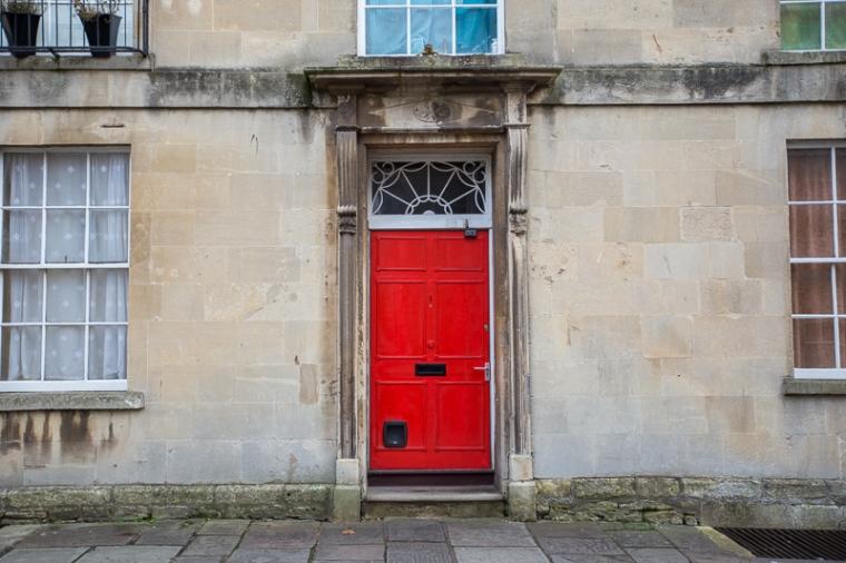 bath-red-door