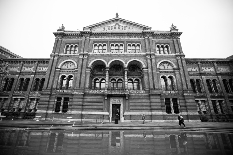 London-Victoria-And-Albert-Museum-Exterior-1