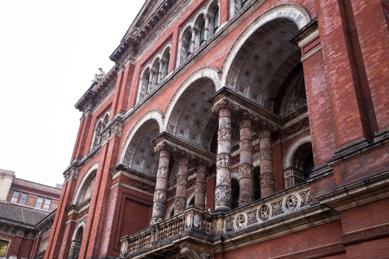 London-Victoria-And-Albert-Museum-Exterior2